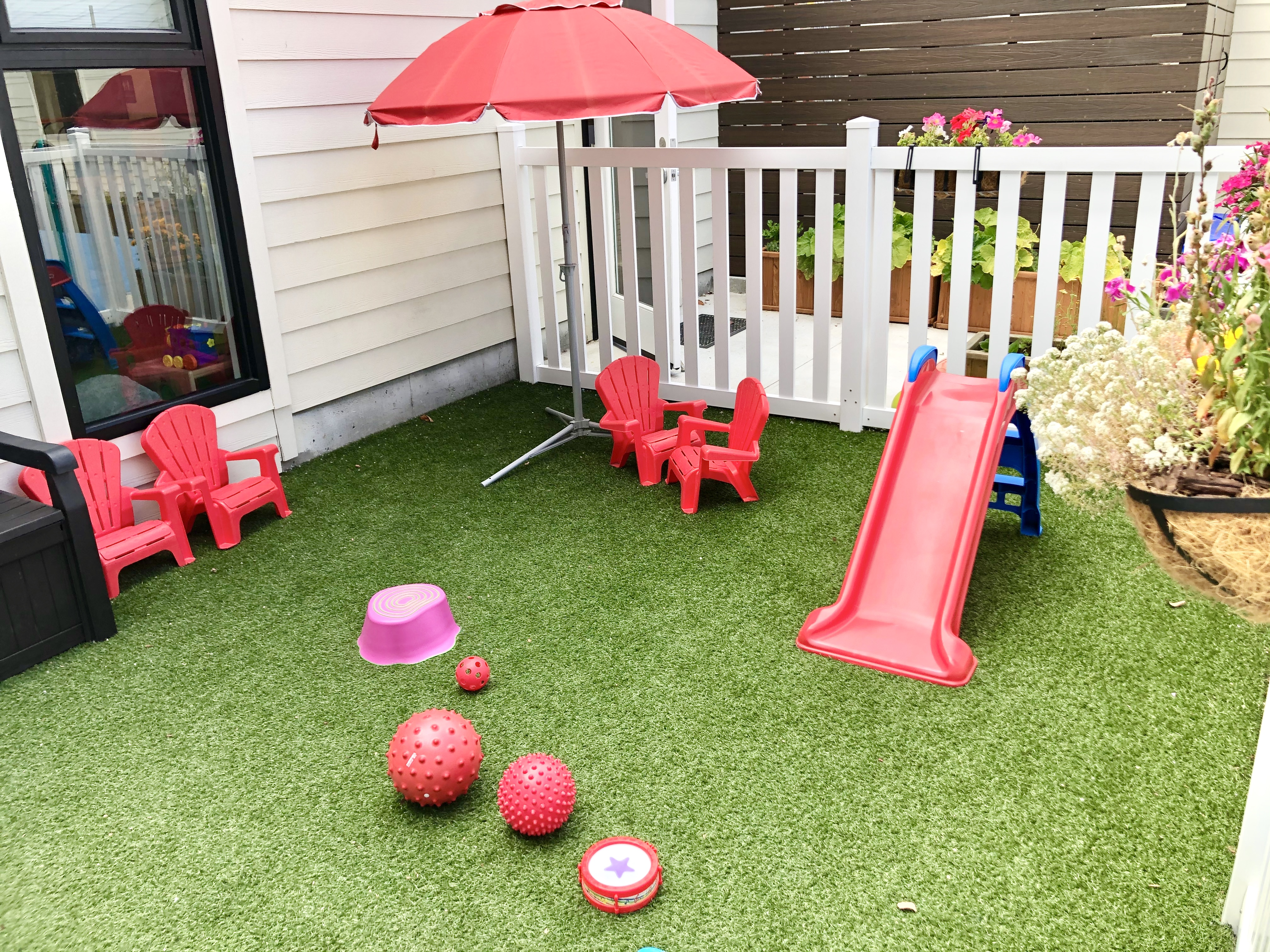 Spacious Play Yard
